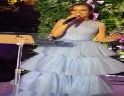 عمان اليوم - بلقيس فتحي تتألق بفستان باللون الأرجواني من تصميم جورج شقرا