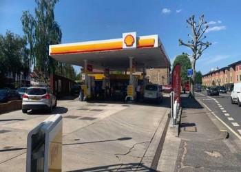 عمان اليوم - أزمة وقود حادة في بريطانيا واكتظاظ على محطات الوقود