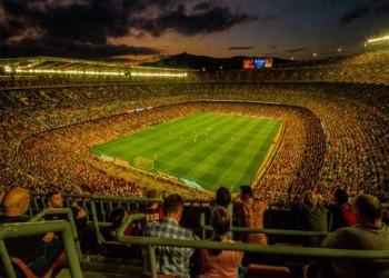 عمان اليوم - أعلى 10 لاعبين دخلاً في صفوف المنتخب الجزائري